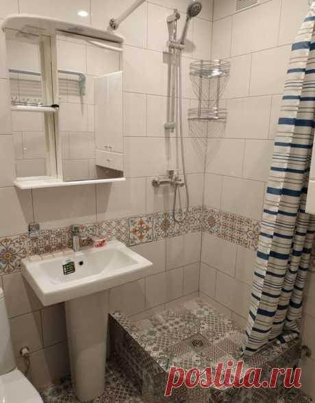 Вместо ванной хозяева установили душевой уголок. В совмещенном санузле после ремонта стало больше места.   Волшебство ремонта   Яндекс Дзен