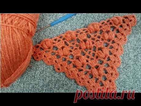 Каштет Фисташковый платок и модель для вязания