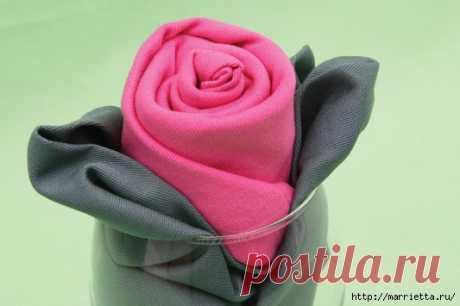 Сервировка стола. Розы из салфеток