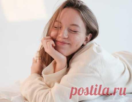На правом или на левом боку: что о человеке может рассказать удобная поза для сна