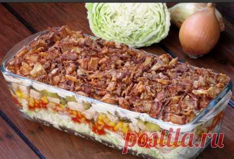 """Слоеный салат """"Хит"""" делаю на любой праздник. Поставлю и на новогодний стол"""