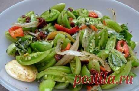 Салат из зеленых помидор на зиму, пальчики оближешь