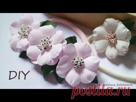 Нежные цветы из фоамирана на повязочке для девочки