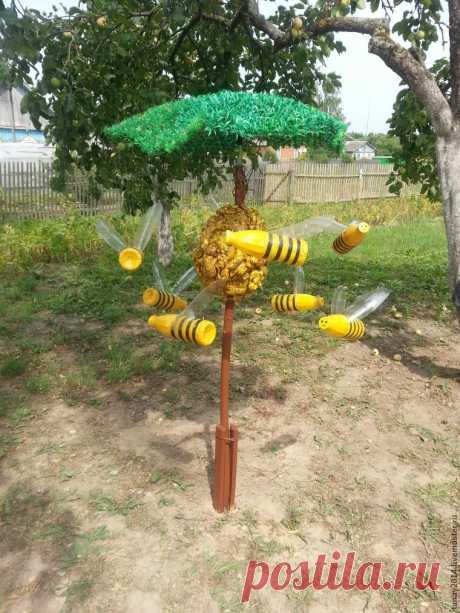 Для сада, огорода и настроения: мастерим веселых пчелок из пластиковых бутылок своими руками