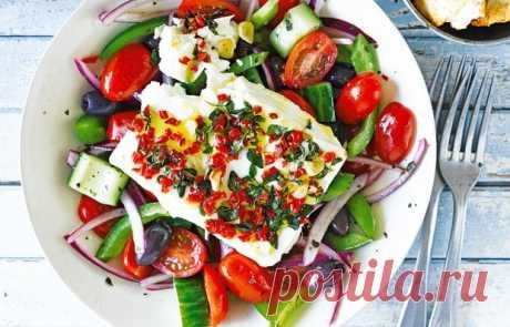 Греческий салат с поджаренным сыром - кулинарный пошаговый рецепт с фото