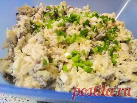 """Вкусный и сытный салат «Искушение» - Кулинарный блог Предлагаю вам приготовить сытный и очень вкусный салат """"Искушение"""". Он очень просто готовится, поэтому с рецептом справятся даже начинающие хозяюшки. Если заправить блюдо нежирной сметаной вместо майонеза, он..."""