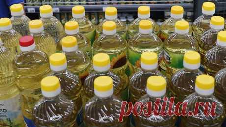 Эксперт сравнил пользу от подсолнечного и оливкового масла Биогеронтолог, доктор биологических наук, профессор Алексей Москалев сравнил пользу от употребления в пищу оливкового и подсолнечного масла. По словам эксперта, в оливковом масле почти нет омега-3 и омега-6 жирных кислот. В этом специалист и видит его преимущество.«Основу оливкового масла составляют так называемые мононенасыщенные жирные кислоты, в первую очередь олеиновая кислота», — цитирует профессора сайт aif.ru.
