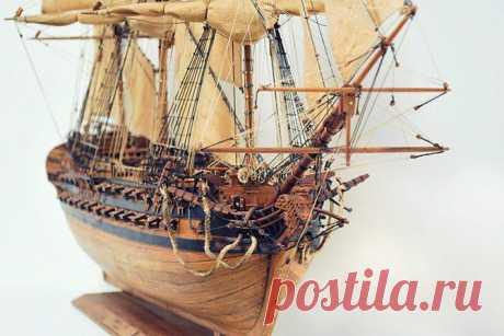 Корабли из ценных пород дерева Остров Мадагаскар, славится не только лемурами и баобабами. На острове есть уникальная мастерская, где делают модели кораблей музейного качества, из розового и красного дерева. Любые макеты, от истори...