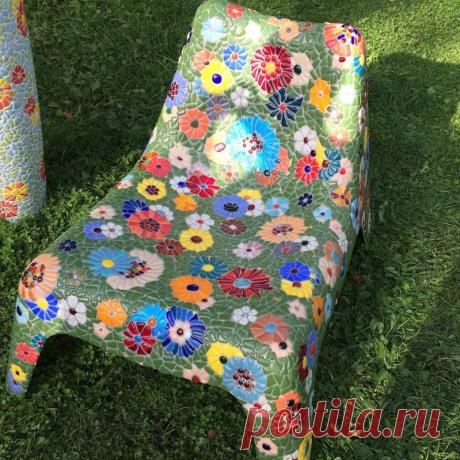 Мозаичный стул.
