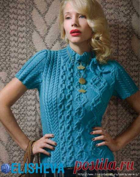 Элегантный пуловер с аранами из журнала Vogue Knitting.