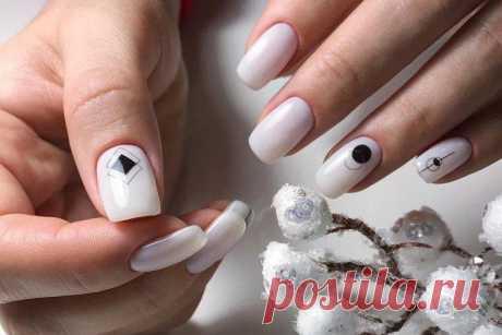 Белый маникюр 2021 (50 фото) - модные тенденции и красивые идеи дизайна ногтей Белый маникюр выглядит одновременно минималистично и нарядно. Он одинаково хорош на каждый день или для праздничных образов. Мы собрали большую подборку фото-идей!