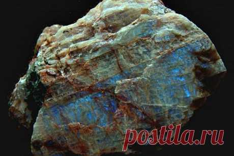 Минерал плагиоклаз: формула, свойства и описание, применение, виды, кому камень подходит по знаку зодиака и имени, месторождения