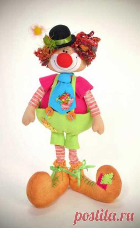 Веселый клоун - текстильная кукла.Выкройка..