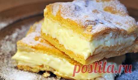 Приготовьте на десерт традиционный польский пирог. Оригинально и вкусно  Ингредиенты: Для теста: 180 г муки250 мл воды125 г сливочного маслащепотка солищепотка сахара5 яиц Для крема: 500 мл молока50 г муки50 г крахмала150 г сахара1 ст.л. ванильного сахара200 г сливочного …