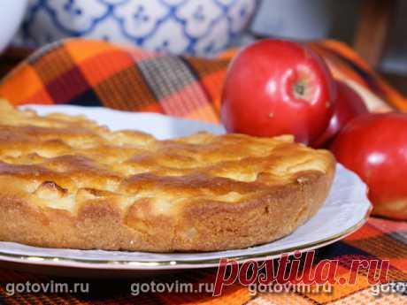 Яблочный пирог на манке. Рецепт с фото Нежный пирог с большим количеством сочных яблочных кусочков. Количество сахара в тесте вы можете регулировать по собственному вкусу. Дополнительно на дно формы можно положить несколько кусочков сливочного масла и сахара, чтобы у готового пирога появи