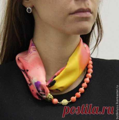 Элегантный аксессуар: 20+ изящных образов шарфов с бижутерией - Feelfeed
