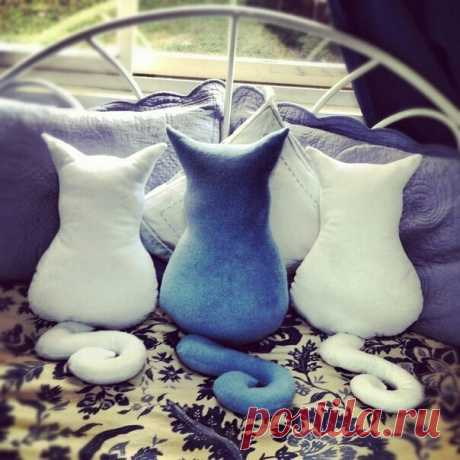 Подушки коты
