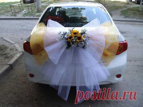 машина для невесты .вид сзади