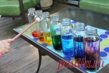 Ксилофон из стаканов воды Как превратить создание музыки в научный эксперимент? Ответ прост - это ксилофон из стаканов воды. Из этого опыта ваш ребенок узнает о звуковых