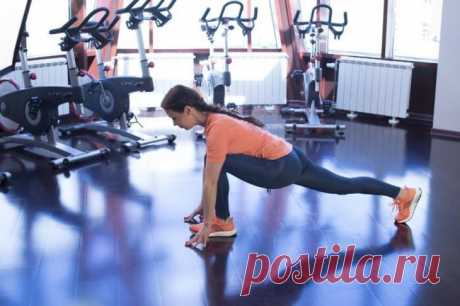 Тренировка anti-age: как почувствовать себя на 10 лет моложе Этот комплекс поможет вам привести в тонус мышцы, улучшит гибкость, укрепит мышечный корсет и общее самочувствие , повысит выносливость. Выполняйте его 2-3 раза в неделю, и вы почувствуете себя на 10 ...