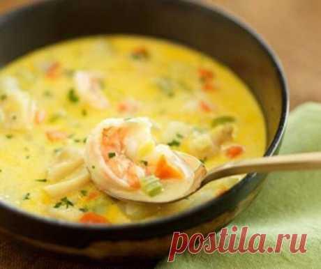 Суп с креветками и сыром.