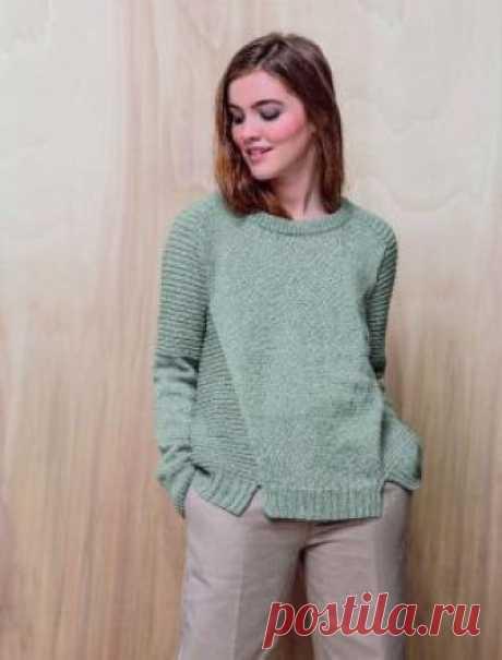Свитер Лоу Женская модель свитера с рукавом реглан, связанного на спицах 3.5 мм из мериноса. Все детали свитера вяжутся раздельно, перед, спинка...