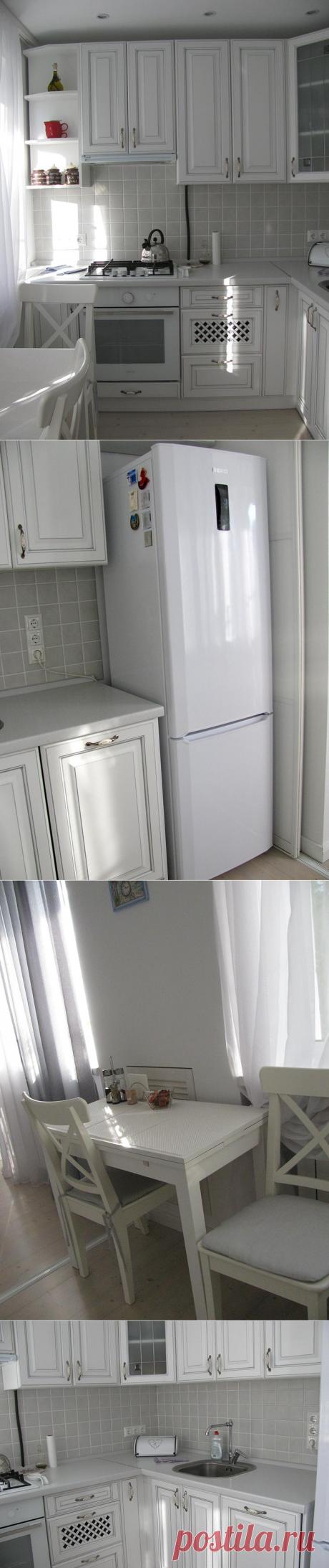 Светлая и стильная маленькая кухня — Роскошь и уют