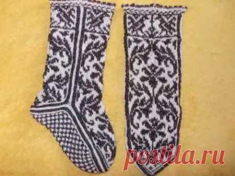 Джурабы и носки вязаные жаккардом +схемы. работы Гуровой Марины.