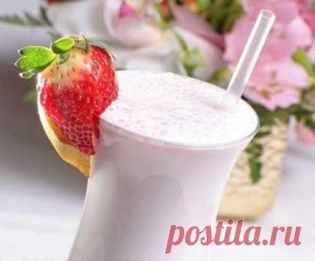 Молочный коктейль ИНГРЕДИЕНТЫ (на 4 порции) Для клубничного коктейля: Молоко — 250 мл Мороженое сливочное — 150 г Клубника свежая — 200 г Сахар — 2 ст. л. Сливки — 50 мл * Для бананового коктейля: Молоко — 250 мл Мороженое — 150 г Банан — 1 шт. Сахар — 1 ст. л. Сливки — 50 г […]