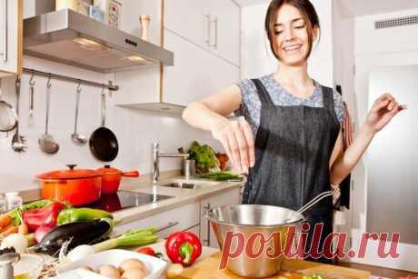 12 ошибок на кухне, которые могут испортить блюдо Отправляясь на кухню, чтобы приготовить очередной кулинарный шедевр, мы машинально совершаем ряд ошибок, о которых даже не догадываемся.С самого детства мы смотрели, как готовили наши мамы и бабушки,...