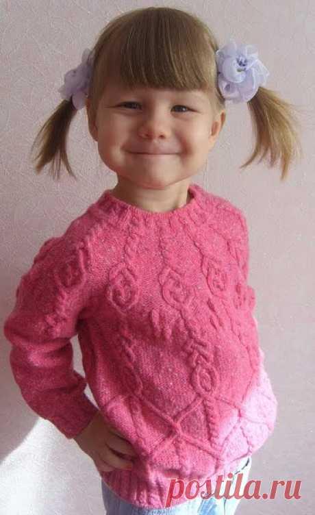 Розовый джемперок для девочки.