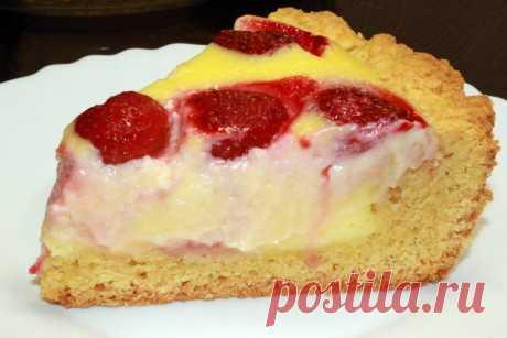 Кремовый пирог с клубникой: и никакого торта не нужно (делюсь простым рецептом нежного лакомства к чаю) | Мастерская идей | Яндекс Дзен