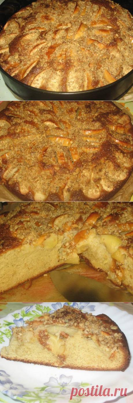 Потрясающе вкусный пирог с яблоками, сгущёнкой и орехами!