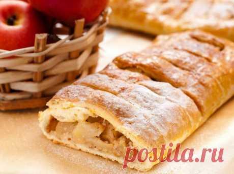 ЯБЛОЧНЫЙ ШТРУДЕЛЬ  Вкуснейший яблочный штрудель с орехами, изюмом и пряностями от классического рецепта отличается только одним – его можно есть в пост.Ингредиенты (4 порции) Вода - 150 млГрецкие орехи - 0.5 стак.Масло…