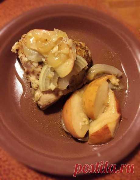 La gallinita con las manzanas en la multicocción-olla a presión Oursson 5015. - ХЛЕБОПЕЧКА.РУ - las recetas, las revocaciones, la instrucción