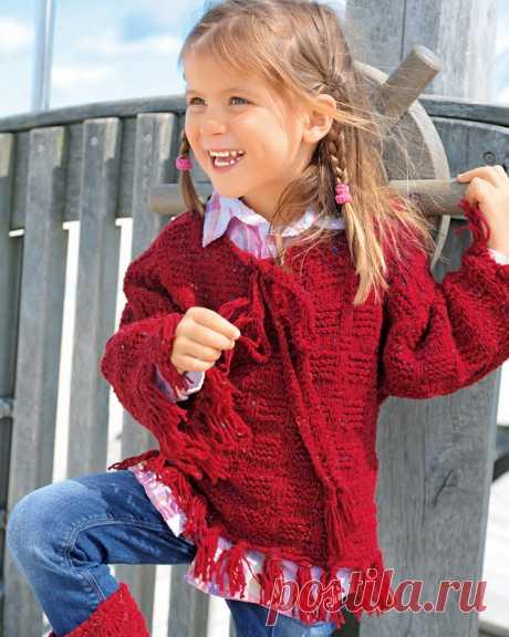 Красный пуловер с бахромой - схема вязания спицами с описанием на Verena.ru