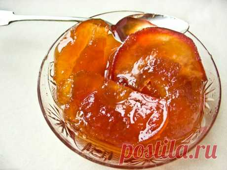 Amber Apples jam. Madly tasty and beautifully! Even it is a pity to eat - beautifully and tasty!