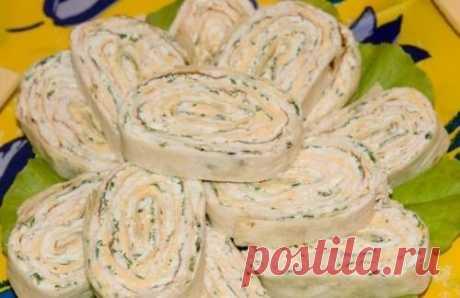 Рецепт праздничной закуски из лаваша с печенью трески / Простые рецепты