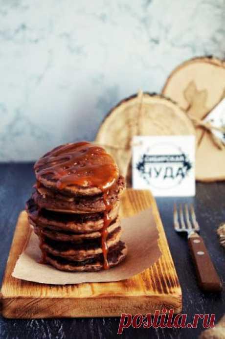 Кулинарные записки лентяйки: Шоколадные панкейки с карамелью
