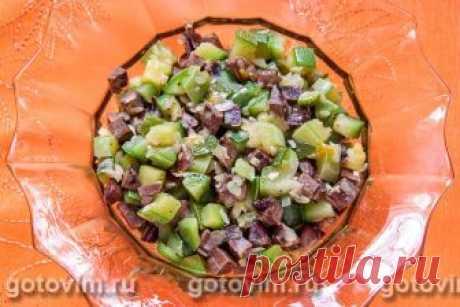 Свиное сердце, тушеное с кабачком. Рецепт с фото Тушеное свиное сердце с кабачками - отличное второе блюдо для будничного обеда. Хотя в этом рецепте используют свиное сердце, его можно легко заменить говяжьим. Вместо или вместе с кабачком можно готовить любые сезонные овощи - тыкву, капусту или грибы.  В сезон берем свежие овощи, зимой используем замороженные.