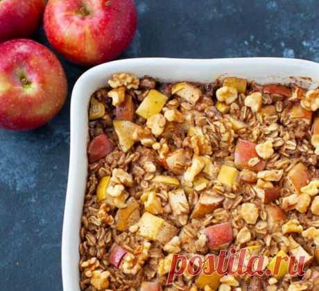 Запекаю овсянку с яблоками в духовке: таким завтраком можно наслаждаться неделю