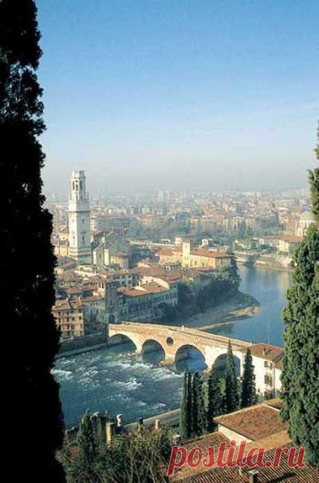 .ITALY.:.:.:. Verona, Italy | il duce приколол(а) это к доске .:ITALY:.