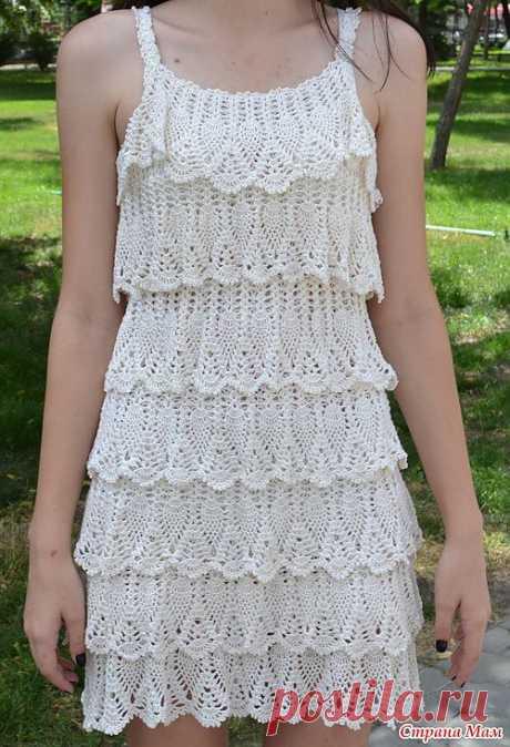 Белое платье крючком.