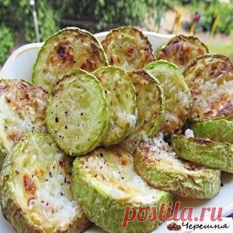 Selection of recipes with vegetable marrows.\u000a\u000a1. Vegetable marrows fried in Ukrainian\u000a\u000aSuch vegetable marrows were prepared by my grandmother. I sink into dotage every summer.\u000a\u000aPreparation:\u000a\u000aThe recipe too simple, but very tasty vegetable marrows turn out.\u000aTo cut young vegetable marrows circles, to prisolit and allow to stand slightly minutes 10. Further two options of succession of events are possible. The grandmother fried, having rolled in flour and properly it obtrusiv that did not stick to a frying pan. But now, during high technologies, there is a skovor...