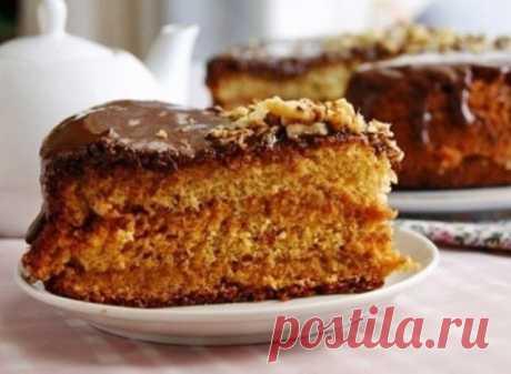 Медовый бисквит Нет на свете вкуснее и проще выпечки, чем медовый бисквит. Рецепт самой низкой сложности - но лакомство самого что ни на есть высокого уровня :)