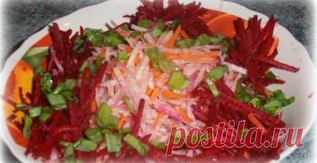 Корисний та смачний салат з буряка, яловичини та моркви по-корейски Пропонуємо приготувати дуже смачний та корисний салат. Він дуже легкий та швидкий в приготуванні. Для тих, хто піклується про своє