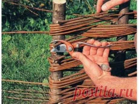 Как плести забор из прутьев своими руками инструкция видео