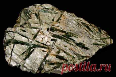 Камень актинолит: свойства и применение, кому подходит по знаку зодиака, магия и значение, формула, виды (тремолит), месторождения