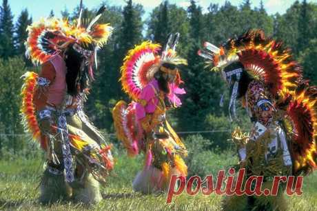 11 ужасных древних ритуалов, которые практикуют и сегодня В то время, как большинство сохранившихся в современном обществе ритуалов включают в себя безобидные, распространенные во всем мире традиции, другие, менее известные, могут быть чрезвычайно болезненны...