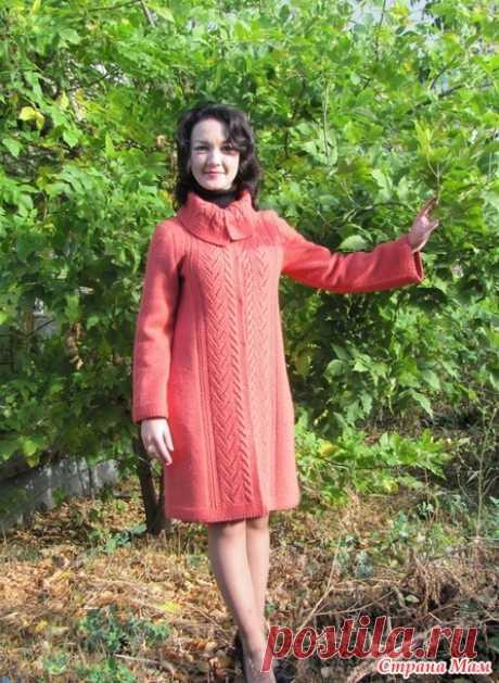 Пальто спицами с ажурной каймой - Вязание - Страна Мам